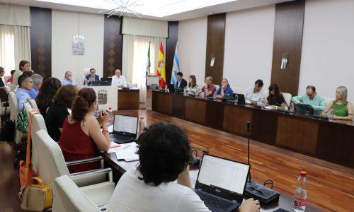 El Ayuntamiento comprará cinco viviendas en López de Ayala para construir un parking, además comprará terrenos en carretera de Guadalupe