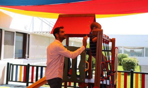 José Manuel Calderón inaugura el parque infantil de la planta de Pediatría del hospital comarcal